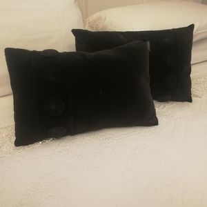 Set of 2 Black Velvet pillows with buttons